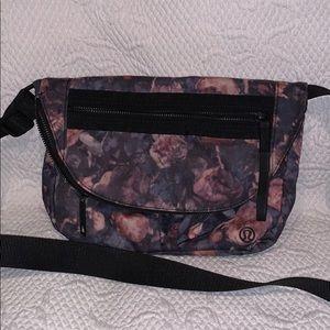 Lululemon floral print festival bag